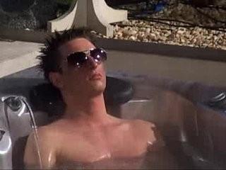 Big Brother Degouden na Hot Tub | amateur  big porn  brothers