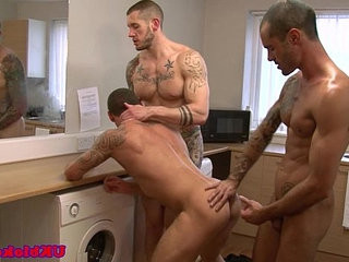 Muscled english queers love threeway sex | loving  muscular  threeway
