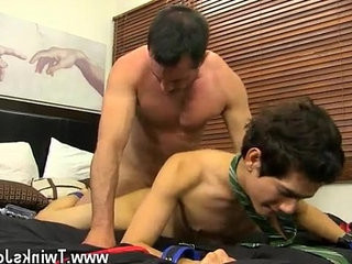 Gay porn Mr. Manchester is looking for a rentboy with a tiny more | gays tube  looking  tiny guy  toys twinks