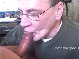 Daddy Pleasing His Mate Greatly | daddy  deepthroat