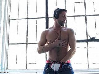 DJ Porn Star Dominic Deliversll | solo tv  star